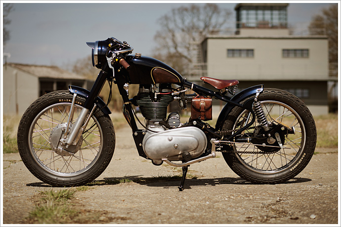 Royal-Enfield-Bullet-Old-Empire-Motorcycles-3