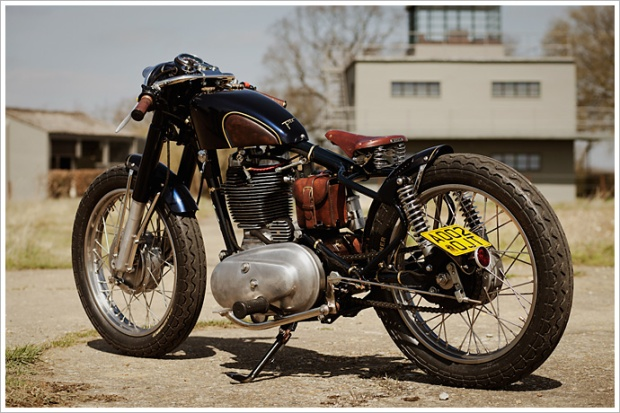 royal-enfield-motorcycle-classic